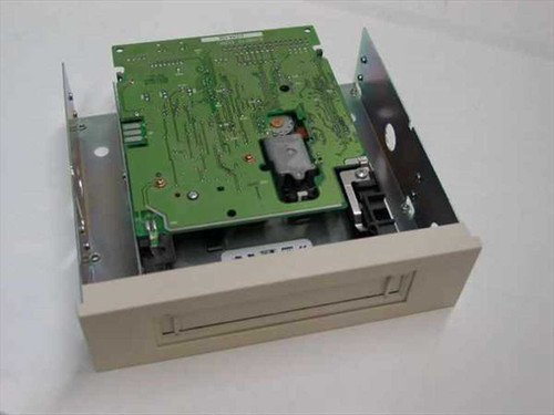 Exabyte EAGLE TR-3  1.6/3.2 GB Internal Tape Drive