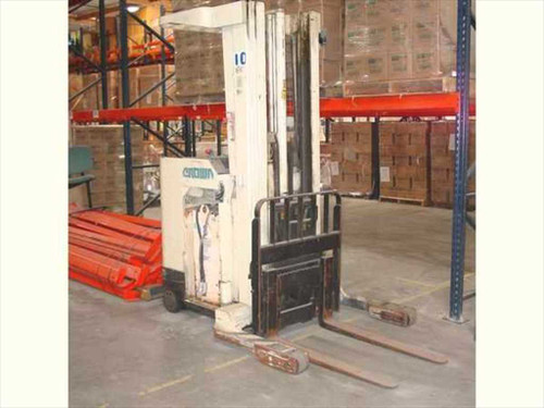 Crown 35RRTT  Electric Reach Forklift w/ Sideshifter