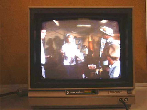 Commodore 1702  Color Video Monitor Composite and Y-C Input