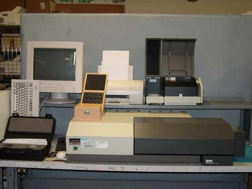 Perkin Elmer Lambda 18  UV/VIS Spectrophotometer