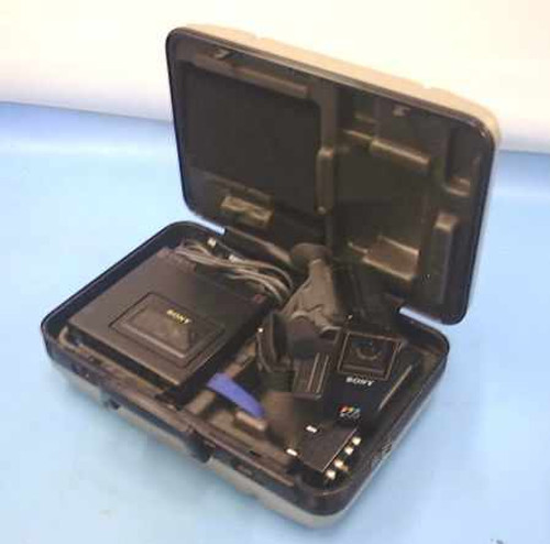Sony  CCD-M8U  Video Camera Recorder with Case