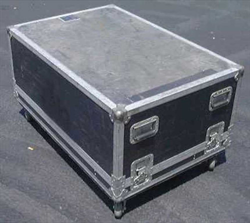 Generic 44w30d19hc  Anvil Type Road Case with casters