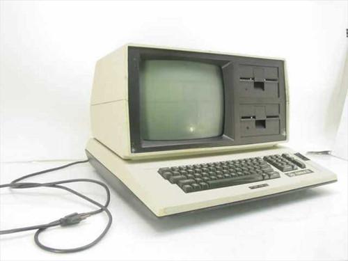 Eagle Computers Inc Eagle II  Vintage Eagle II Computer Z80 4Mhz Floppy Drives C