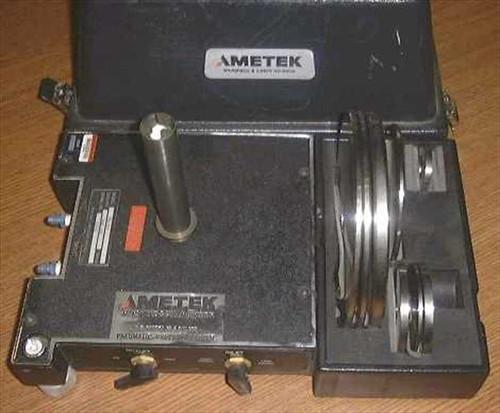 Ametek RK-300  Pressure tester and calibrator, pneumatic, deadwei