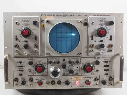 Tektronix RM565 2-Channel Dual Beam Oscilloscope *AS-IS* Missing CRT Nuts