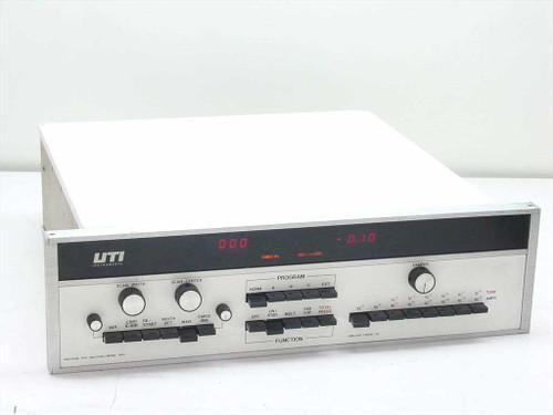 UTI Model 100C Precision Gas Analyzer