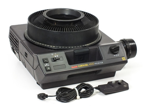 Kodak 4600 CAROUSEL Slide Projector with Remote & Carousel