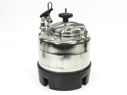 "Apache Stainless 90-2 Portable Pressure Vessel Large Mouth 1/4"" FNPT 2 Gal"