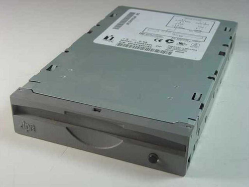 Iomega Zip Drive Internal Z100ATAPI (04067D00)