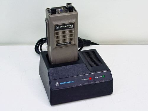 Motorola H44BEU7120NC HT50 2-Way Synthesized Portable UHF Radio *Bad Battery*