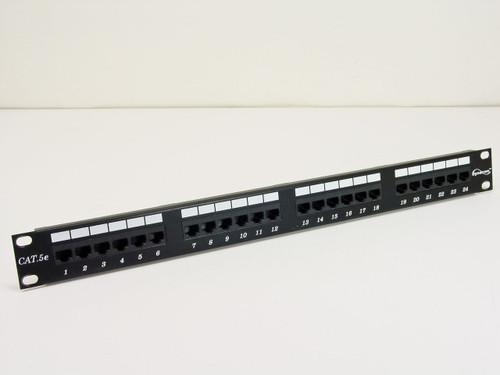 Dynacom 24 port Patch Panel w/ plastic clips (CAT 5e)