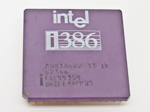 Intel i386 CPU A80386DX-33 (SX366)