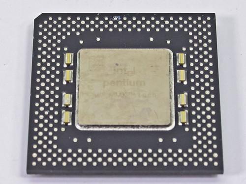 Intel P1 166Mhz MMX CPU FV80503166 (SL27A)