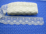 "Raschel Lace 2 1/2"" (63.5MM) Ivory Floral 25 Yards"