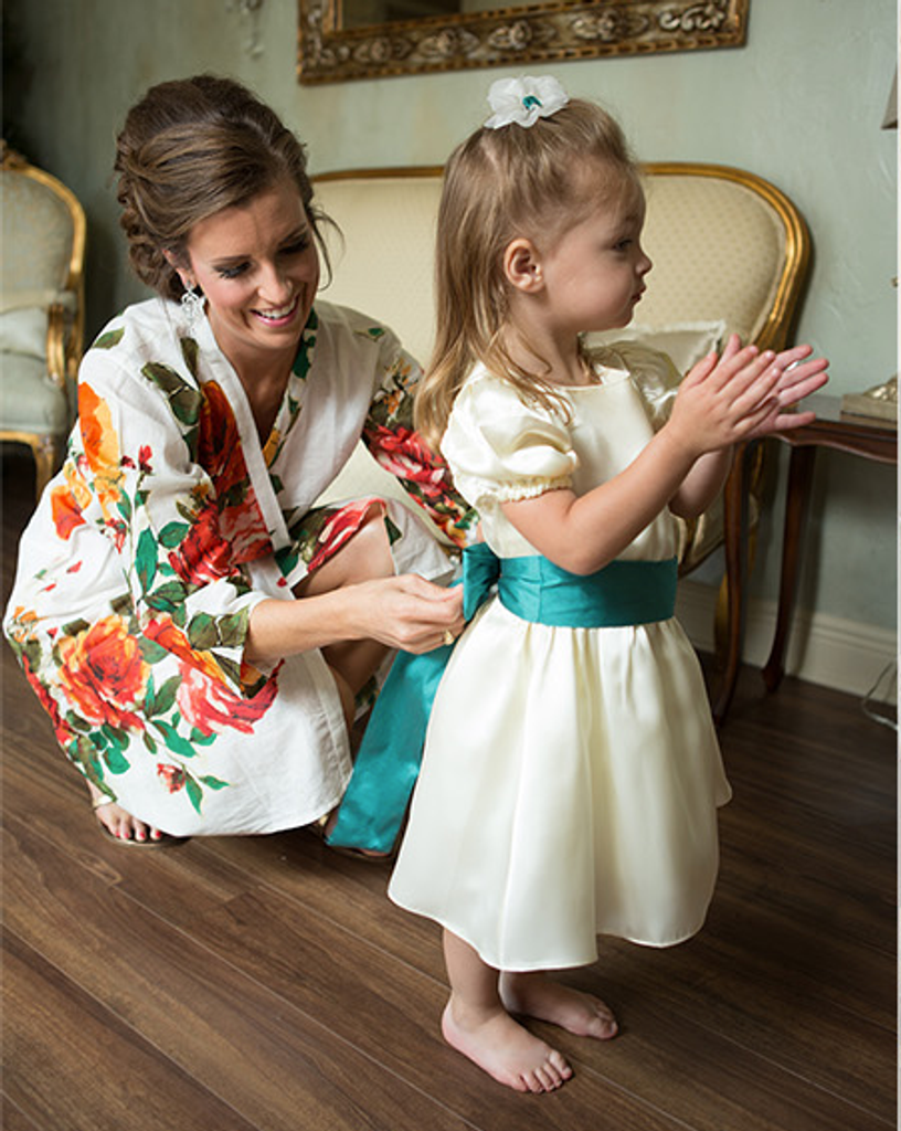 White Large Floral Blossom Robes for bridesmaids | Getting Ready Bridal Robes