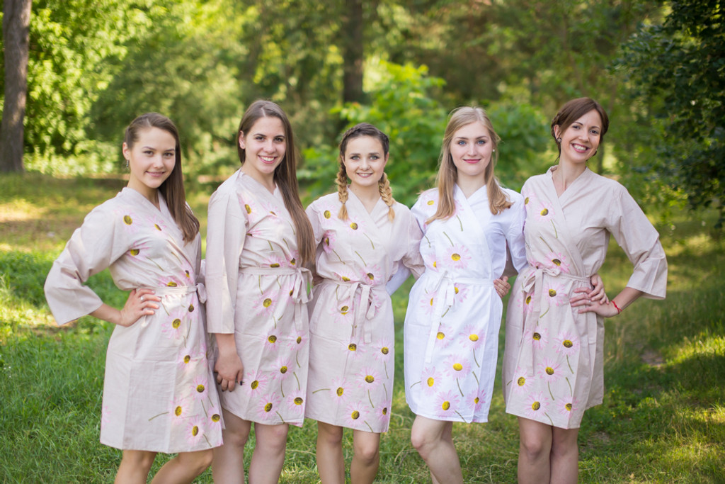Champagne Falling Daisies pattered Robes for bridesmaids | Getting Ready Bridal Robes