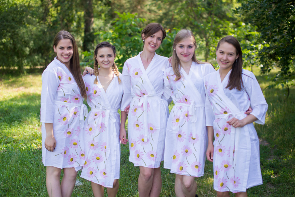 White Falling Daisies pattered Robes for bridesmaids | Getting Ready Bridal Robes
