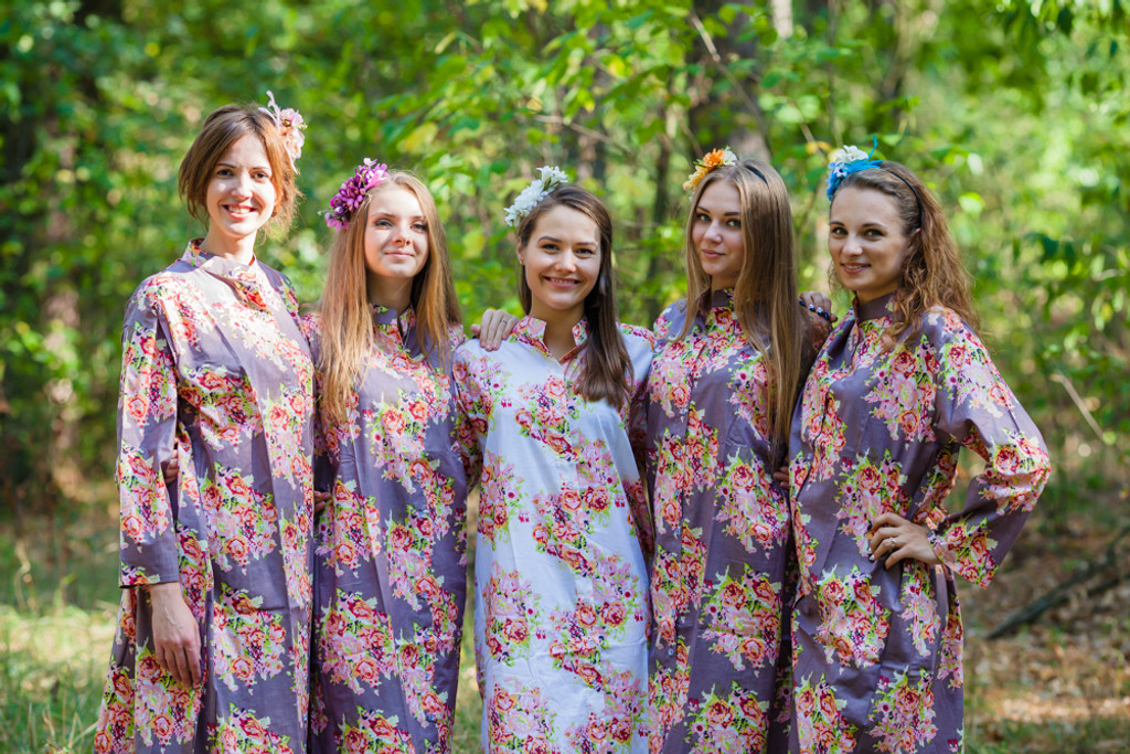 Charming Collars Style Kaftans for bridesmaids to get ready in