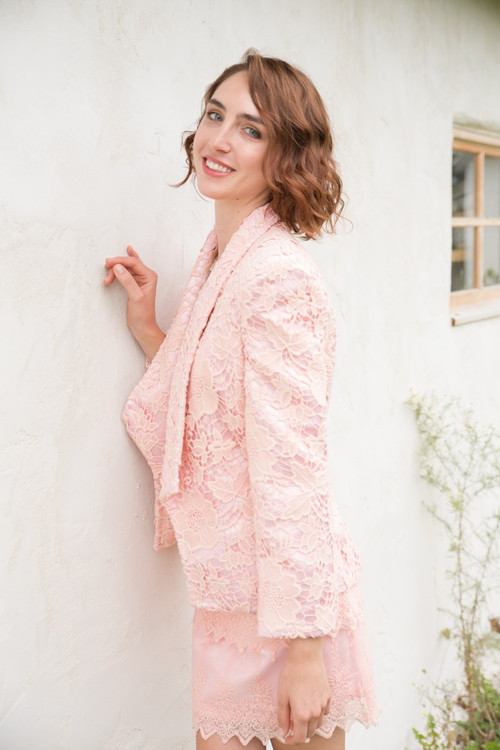 Princess Peach Bridesmaids Lace Suit for a Winter Wedding