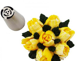 Easy to use tip to make beautiful flowers with one step.
