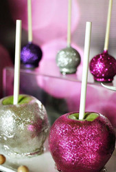 Decorated Candy Apples    8/11   10:00 FULL