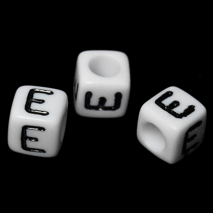 """100 Letter """"E"""" Black on White Acrylic Alphabet Cube Spacer Beads 6mm Approx 1/4 Inch"""
