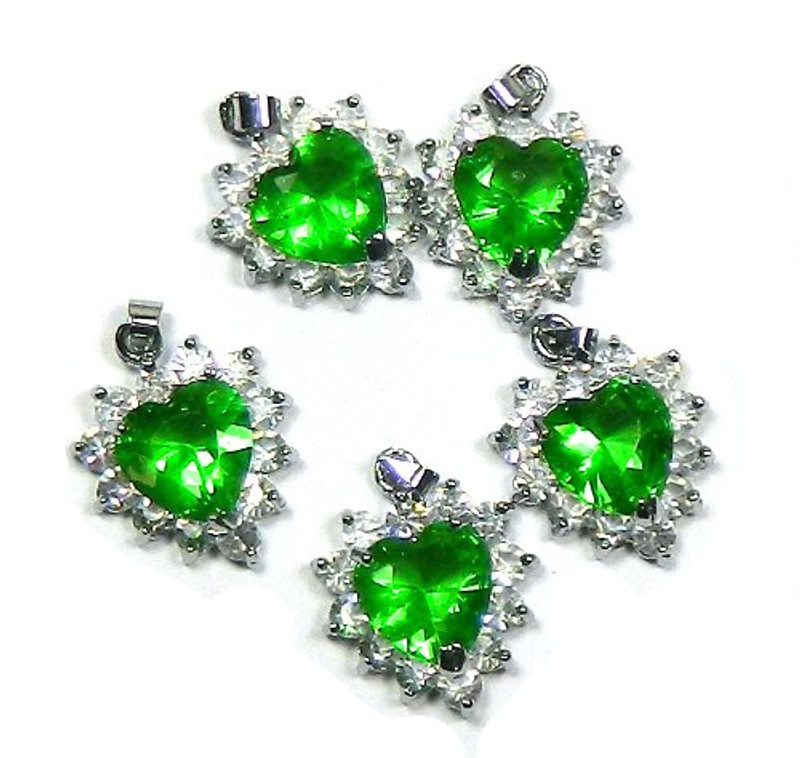 5 Heart Pendants 20x20mm Green with Clear Rhinestones