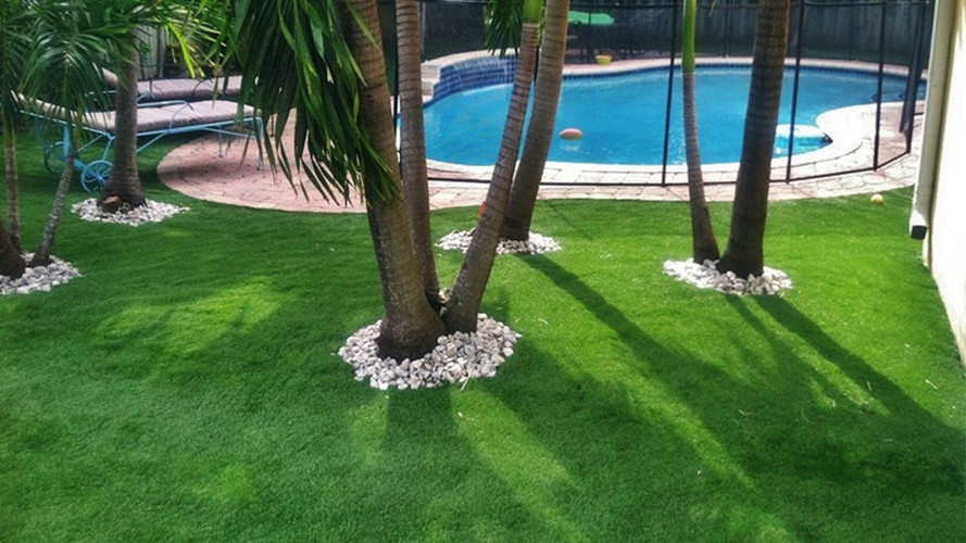 Should Pool Owners Consider Artificial Grass?