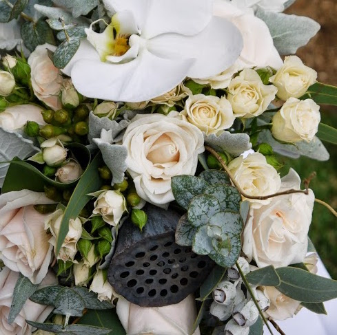 white-orchid-rose-bouquet.jpg