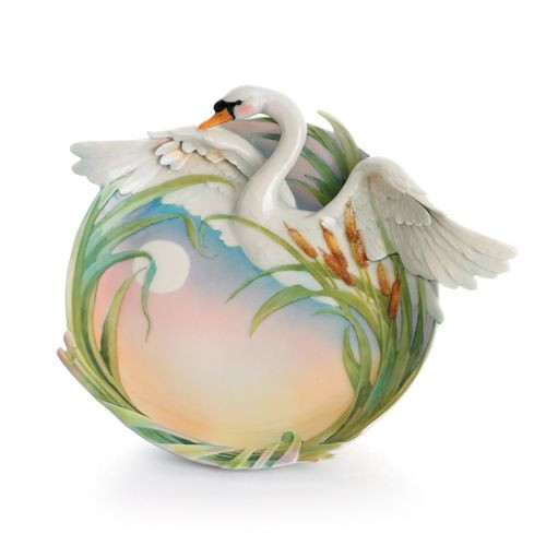 Franz Porcelain Swan Lake Ornamental Plate FZ01569