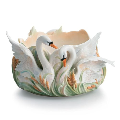 Franz Porcelain Swan Lake Salad Bowl FZ01559