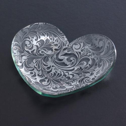 Annieglass Hearts Plate Florentine 7 Inch - Platinum MPN: CSH203P
