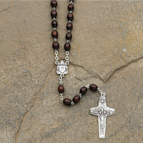 Pope Francis Rosary GM15851