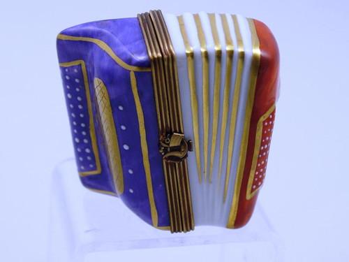 Chamart Accoroundion R-W-B Limoges Box 92\086