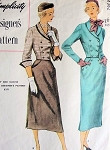 1950 SLIM FITTED SUIT PATTERN PEG TOP SKIRT, SIDE SLITS, SHORT DOUBLE BREASTED JACKET SIMPLICITY DESIGNERS 8362