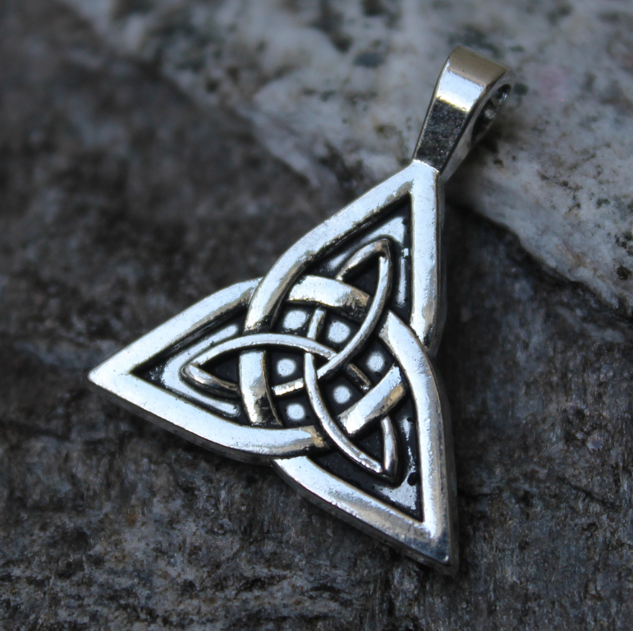 Celtic Triangle Pendant (Pewter)