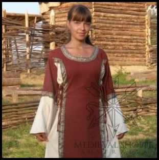 Early Medieval Dress (Red/White)