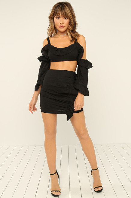 Ready To Ruffle Top - Black