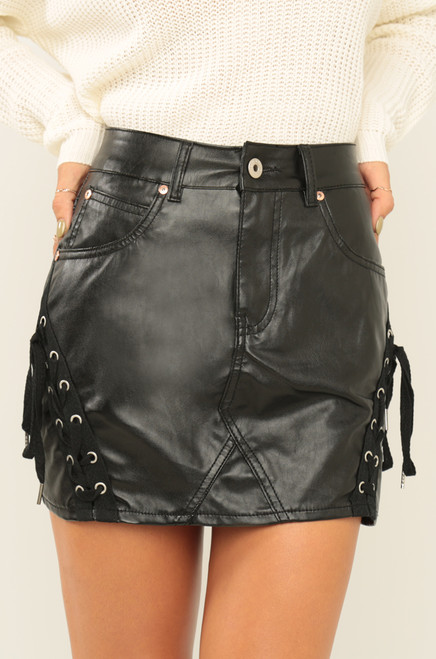 Flirt It Up Skirt - Black