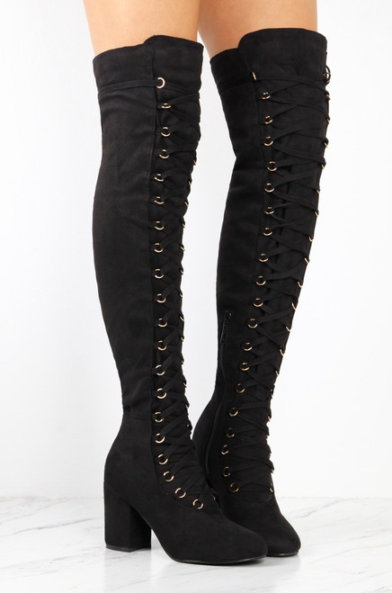 Laced In Motion - Black