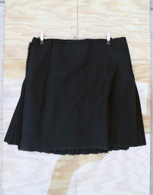 "Used Kilt: Black Shadow 39""-45"" W x 24.5"" L"
