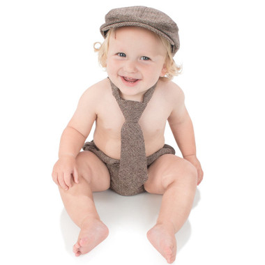 Brown Tweed Cabbie Hat Set Model.