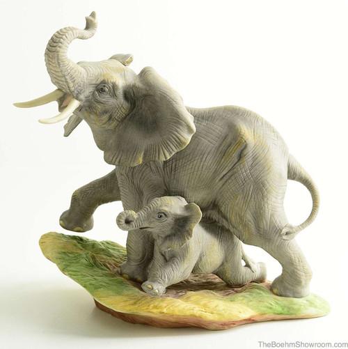 Boehm Elephant With Young Hallmark 40554