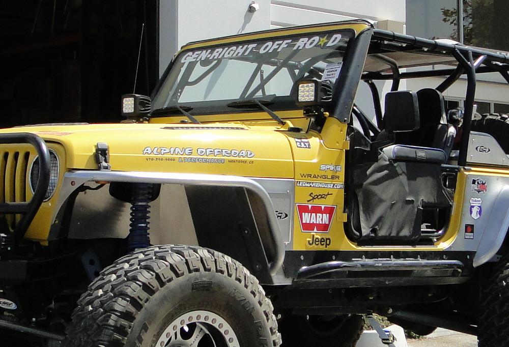 Lower windshield light mounts for the Jeep TJ or LJ