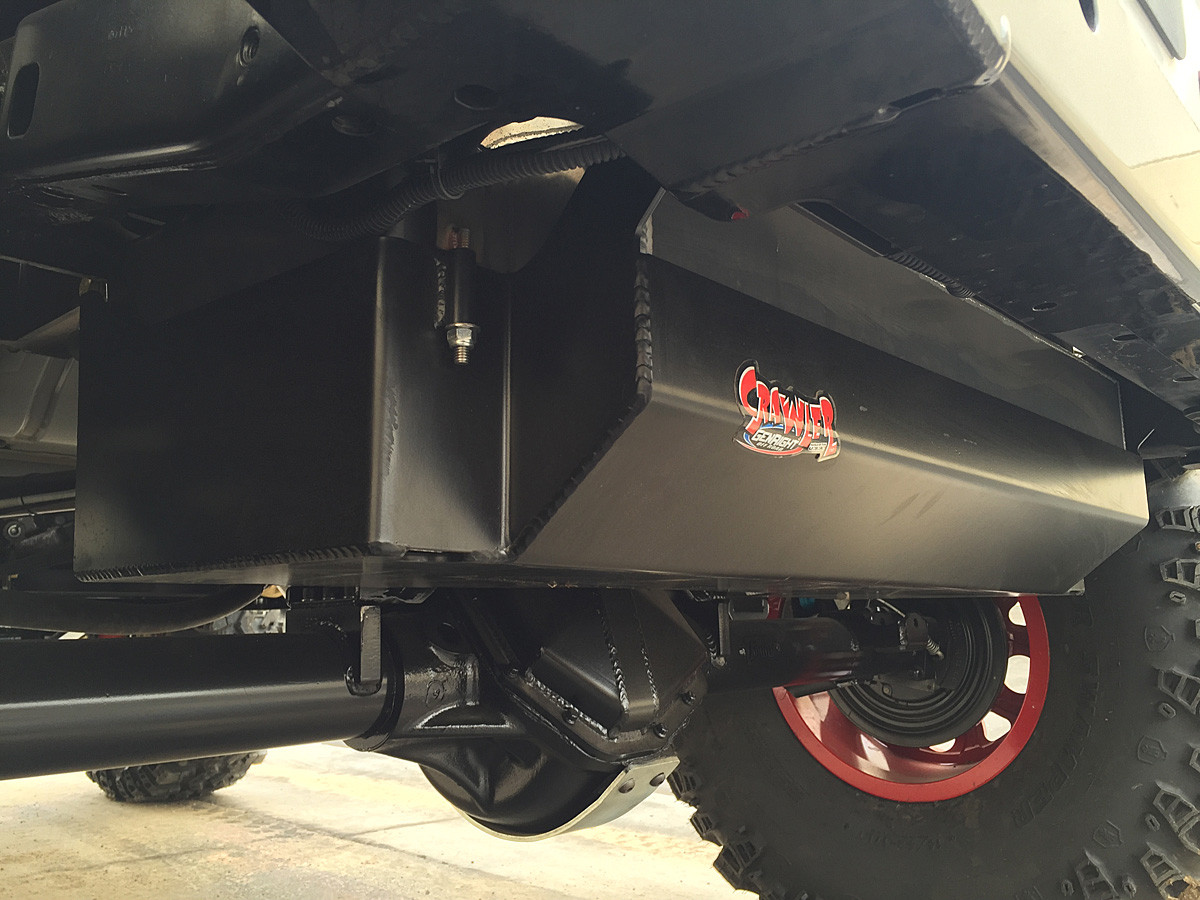 Stretch tank installed in the 2 door Jeep JK with a Currie Rock Jock 70
