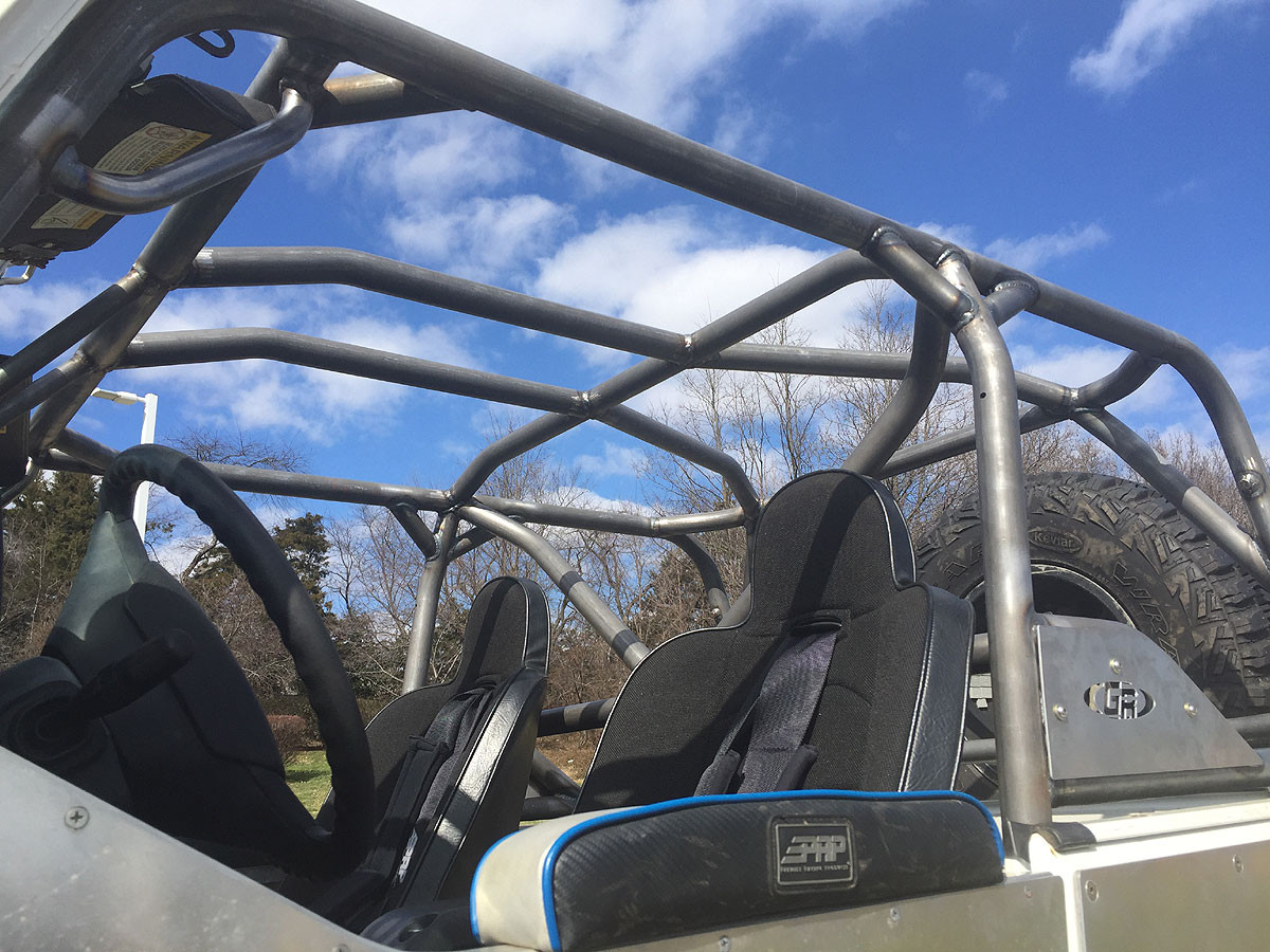 GenRight cage installed with X-bar and seats