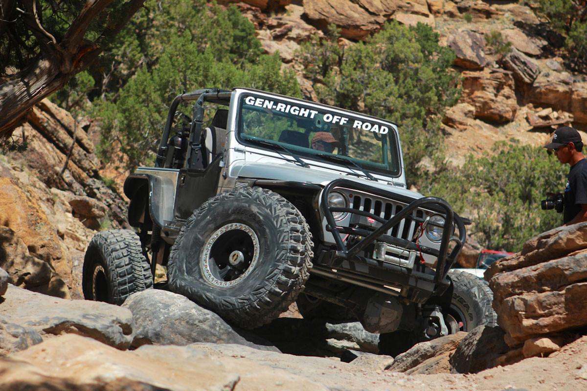 GenRight's Jeep TJ Boulder/Grill Guard Front Bumper, Steel