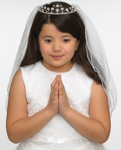Hannah, Tiara communion veil