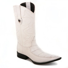 No one can resist these genuine eel skin boots in white from the house of Wild West. The pair has a classic finish and a 13-inch shaft, with its 3x-toe profile.