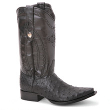 These black full quill ostrich skin and leather cowboy boots in black from Wild West promises a durable and comfortable fit. They have a snip toe profile.